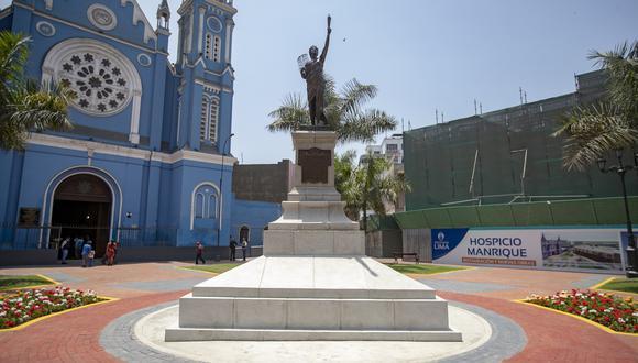 Lima destapó la estatua recién restaurada de La Libertad, en la Plaza Francia, en el Centro histórico de Lima (Foto: Difusión).