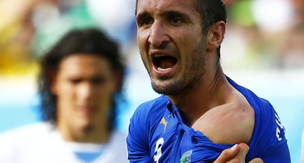 Así fue el mordisco de Luis Suárez al italiano Chiellini - 1