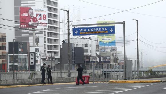 El ministro Cuenca también sostuvo que, durante los días, 1, 2, 3 y 4 de abril habrá restricción de movilidad de las personas. Añadió que solo estará permitido la salida para realizar compras esenciales. (Foto: El Comercio)
