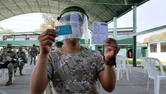 La Diresa Piura informó que con la aplicación de la segunda dosis de la vacuna culminó el proceso de vacunación al personal militar. (Foto: Diresa Piura)