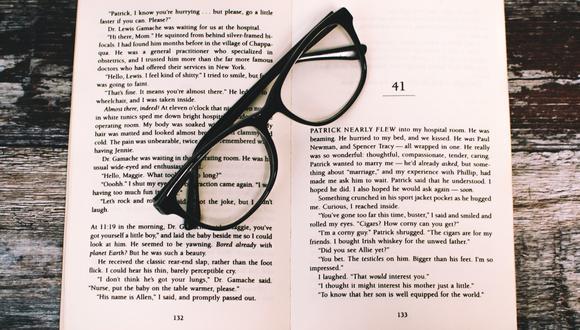 Existen algunos remedios caseros que te ayudarán a prevenir y aliviar la vista cansada. (Foto: Pexels)