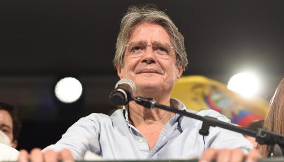 Guillermo Lasso pronuncia un discurso tras su triunfo en las elecciones en Ecuador. (Foto: EFE/ Santiago Fernández).