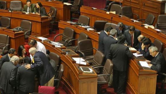 """""""Curul vacía"""": Constitución aprobó sancionar a congresistas"""
