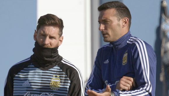 Scaloni le quitó responsabilidad a Messi, pero el 10 sabe que debe ganar la Copa América. (Foto: AFP)