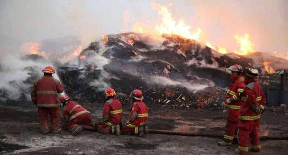 Año Nuevo: bomberos atendieron 106 incendios en Lima y Callao