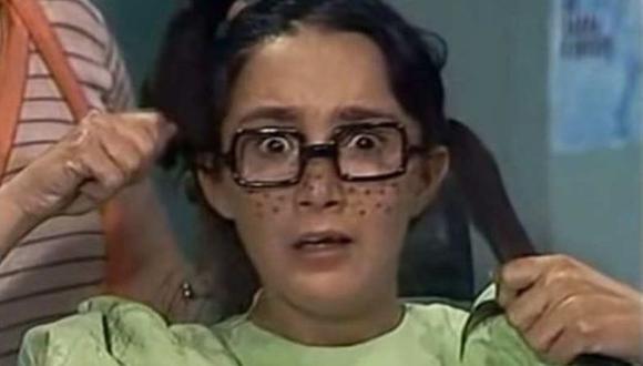 """La Chilindrina es una niña muy apegada a su padre, no se lleva bien con Doña Florinda por las cachetadas que le pega a su progenitor, por lo que la llama """"Vieja pegona"""", """"Vieja pegostiosa"""" o """"Vieja chancluda"""". (Foto: Televisa)"""