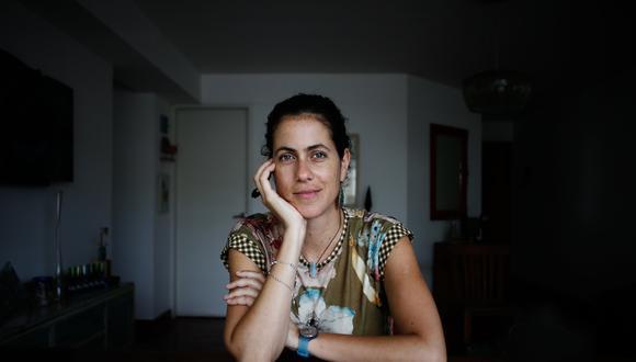 A lo largo de sus cuentos, los personajes de Katya Adaui van desnudando su pasado y profundidad psicológica (Renzo Salazar/Perú21).