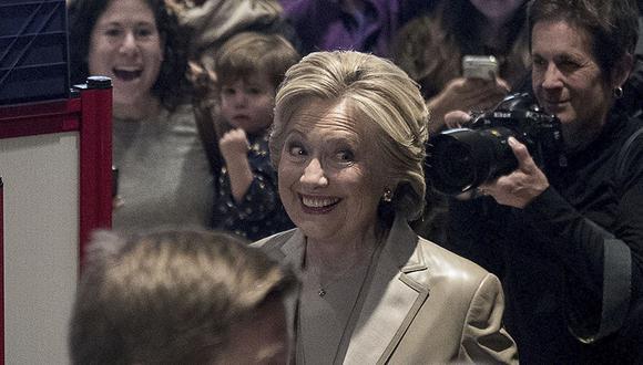 Clinton votó a las 8 a.m.: ¿Qué dijo y cómo se vio? [VIDEO]