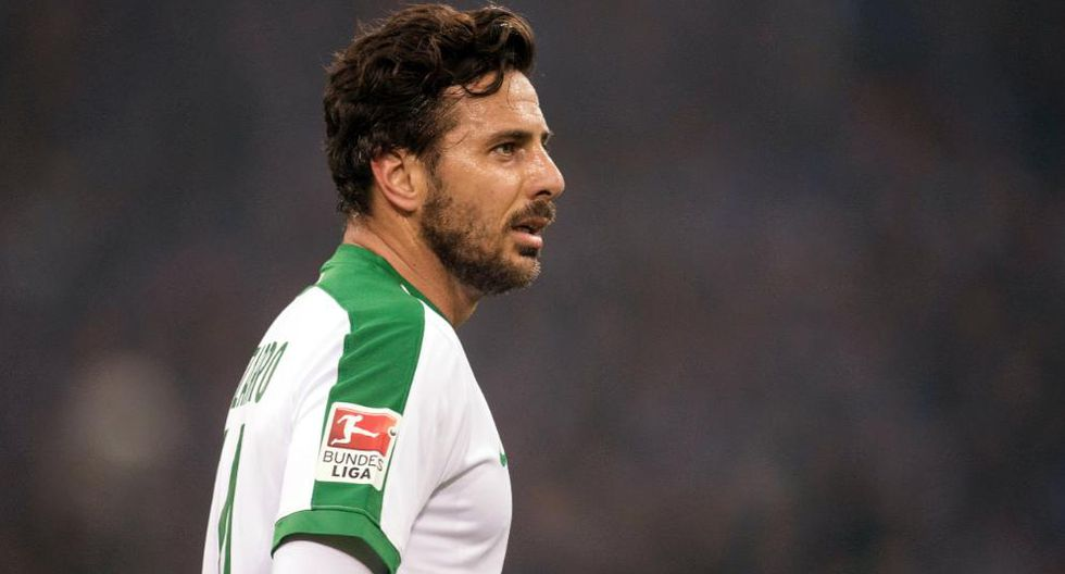 Frank Baumann consideró que el retorno de Claudio Pizarro será importante para el club. Además aseguró que tendrá varias oportunidades de jugar durante la temporada 2018-19 de la Bundesliga. (Foto: Reuters)