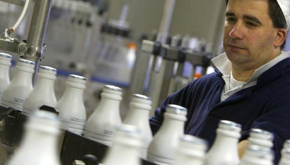 La carragenina, un aditivo utilizado para la fabricación de productos lácteos está hoy en el ojo de la tormenta, luego del escándalo de la leche que no era leche. (Foto: Reuters)