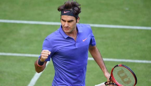 Roger Federer y su increíble salvada desde el suelo