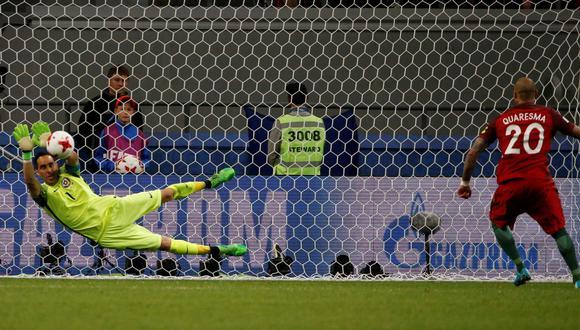 Claudio Bravo fue la gran figura de Chile ante Portugal en las semifinales de la Copa Confederaciones. El arquero desvió tres penales. (Foto: Reuters)