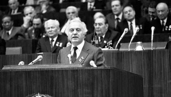 Muere Eduard Shevardnadze, el último canciller soviético