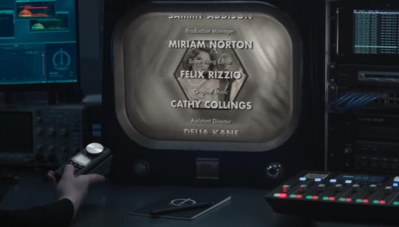 """Alguien misterioso ve los créditos de """"WandaVision"""" al final del primer episodio (Foto: Disney Plus)"""