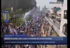 Hinchas de Alianza Lima toman la Vía Expresa para llegar al Estadio Nacional | VIDEO