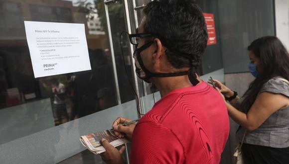 Solo falta que la SBS publique el reglamento operativo para que los afiliados soliciten el retiro de hasta S/17.600 soles. (Foto: Andina)
