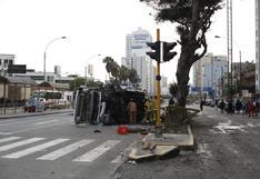 Accidente en avenida Brasil: ATU suspende habilitación de bus que se volcó y dejó 12 heridos