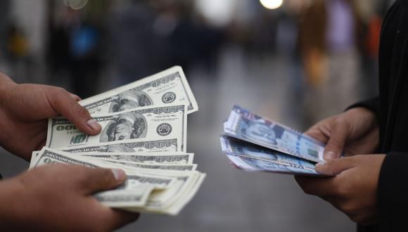 En el mercado paralelo o casas de cambio de Lima, el tipo de cambio se cotiza a S/3,620 la compra y S/3,645 la venta. (Foto: GEC)