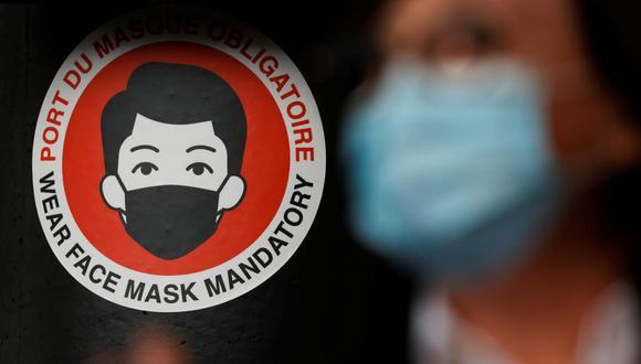 El jefe del Gobierno de España, Pedro Sánchez, anunció que desde el 26 de junio ya no será obligatorio utilizar mascarilla en exteriores en el país, debido al retroceso del Covid-19. (Foto referencial: Pascal Rossignol / Reuters)