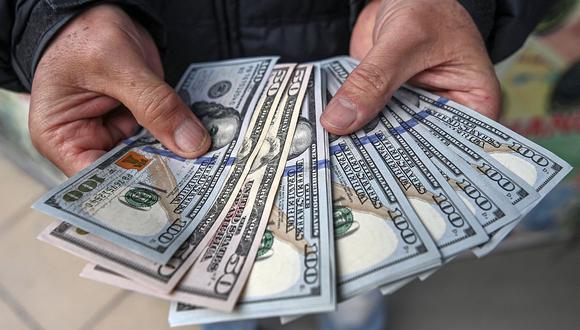 El dólar se cotizaba en 20,19 pesos en México este martes. (Foto: AFP)