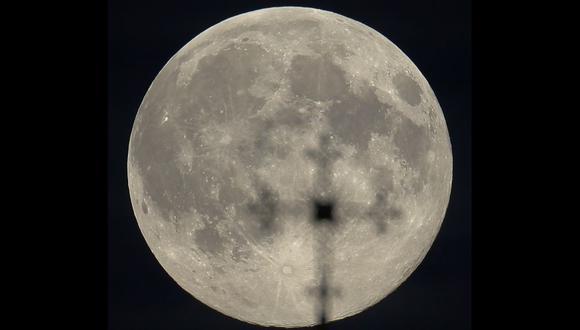 Superluna tomada desde Minsk, Bielorrusia. (Foto: Reuters).