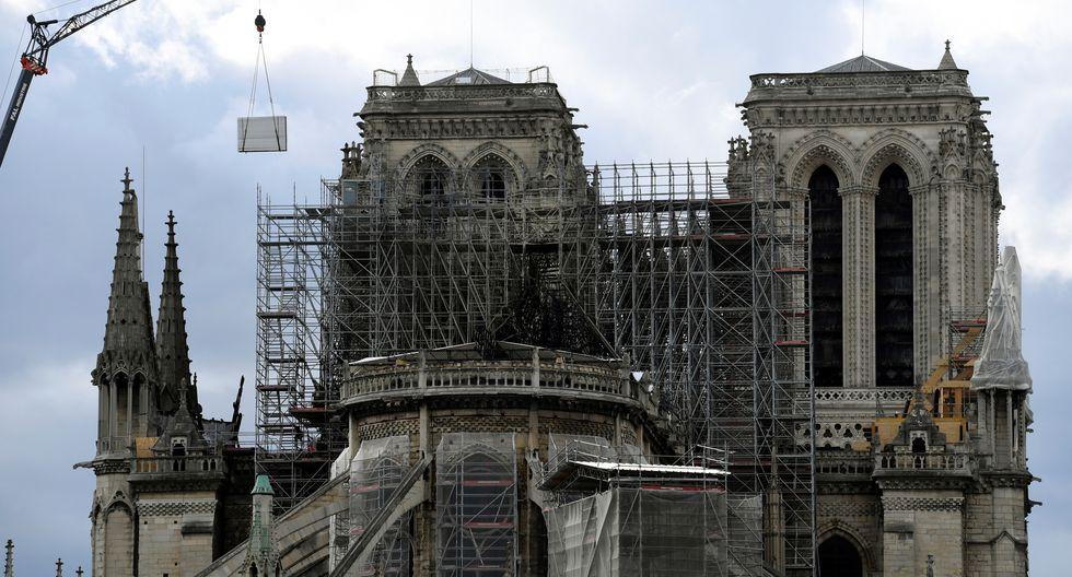 Un incendio devoró gran parte de la histórica catedral de Notre Dame, en París. (Foto: AFP)