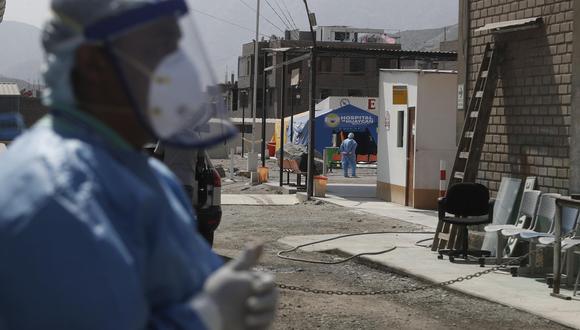 Días de crisis y alto riesgo ante el COVID-19 se vive en el Hospital de Huaycán. Al menos 18 trabajadores de distintas áreas han contraído el mal. (Foto: César Campos)