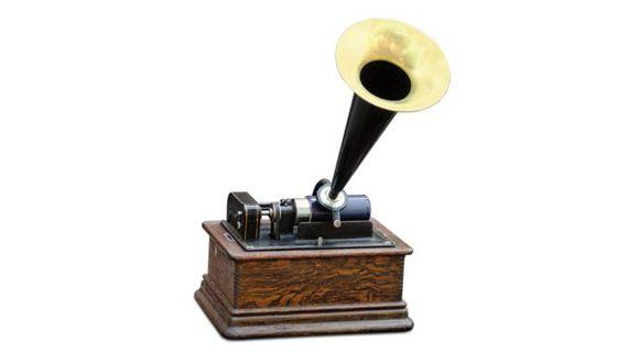 El fonógrafo fue el primer aparato que permitió grabar y reproducir sonido hace 140 años. (Foto: BBC / Getty Images)
