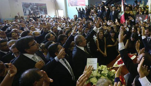 Dirigentes apristas se despidieron de Alan García en la Casa del Pueblo. (Foto: Violeta Ayasta / GEC)