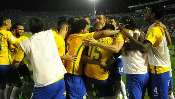 Brasil goleó 4-1 a Uruguay en Montevideo por Eliminatorias