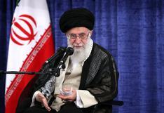 Cuenta de Twitter del ayatola Alí Jamenei pide vengar a general Soleimani y amenaza a Trump