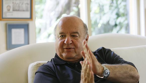 """El candidato presidencial de Avanza País consideró que se debe """"desregular"""" las compras del Estado para poder adquirir """"privadamente y comunalmente"""" las vacunas contra la COVID-19. (Foto: El Comercio)"""