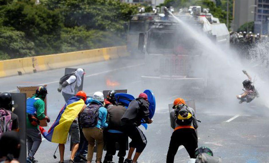 Venezuela vive una oleada de protestas desde hace 82 días, algunas de las cuales se han tornado violentas y se han saldado con 75 muertos y más de mil heridos. (Foto: Reuters)