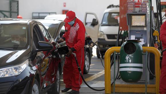 Los precios de los combustibles varían en el mercado local. (Foto: GEC)