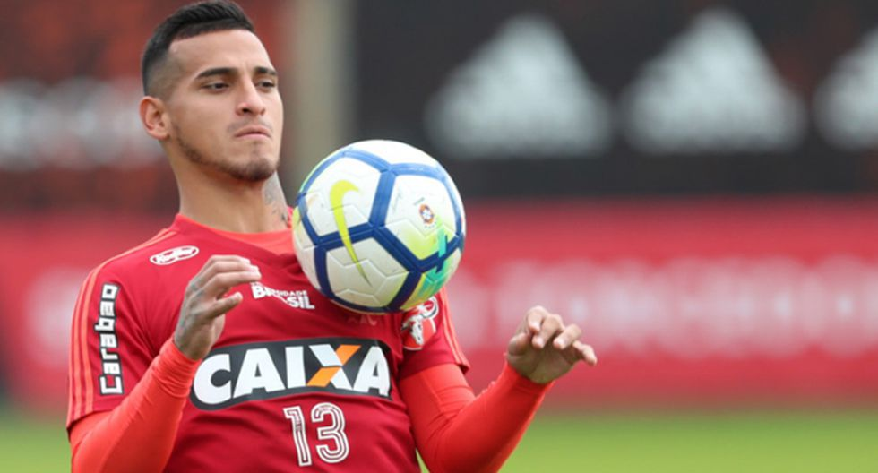 Según TyC Sports, San Lorenzo no está en condiciones de pagar lo que pide Flamengo por Miguel Trauco. (Foto: AFP)