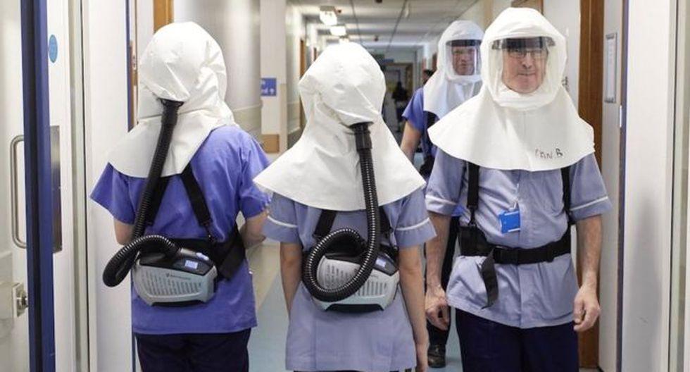 En el Hospital Universitario de Southampton, Reino Unido, el personal médico usa en pruebas unas máscaras con purificadores de aire especiales. (Foto: UHSFT)