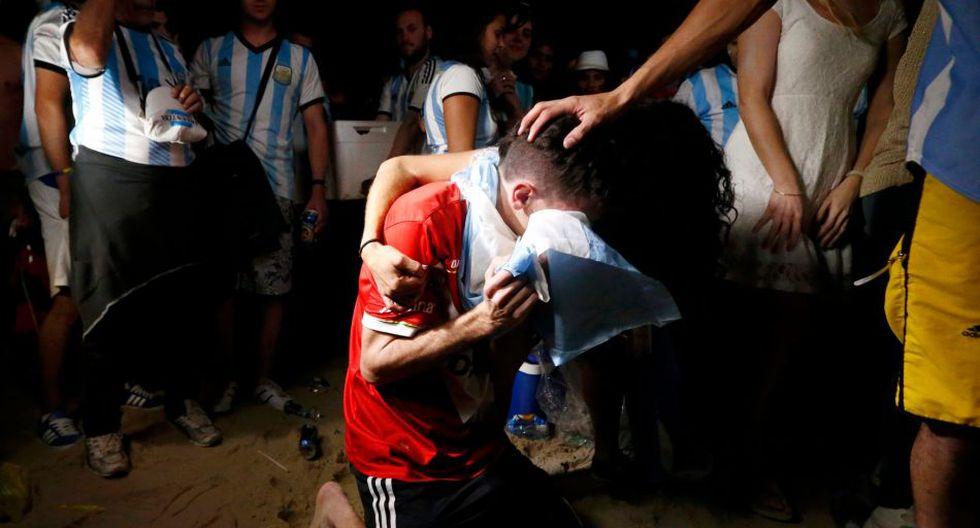 Miles en el Obelisco: el llanto de los hinchas argentinos  - 6