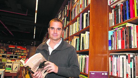 El periodista y escritor Raúl Tola charlará hoy con Chela de Ferrari, Hugo Coya y Jerónimo Pimentel.