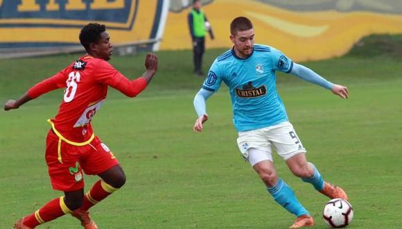 Gallardo, de 18 años, era considerado por Vivas en Sporting Cristal. (Foto: @CSCristal)