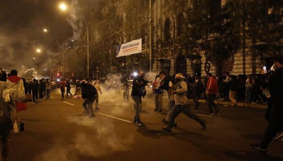 El último jueves se produjeron diversos enfrentamientos entre la policía y manifestantes en el Centro de Lima. (Foto: GEC)
