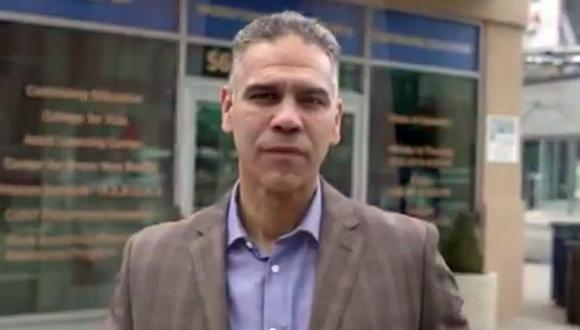 Ángel Cruz se postula para ser juez en la Corte Civil de El Bronx en Nueva York (Estados Unidos). (Captura de video/YouTube).