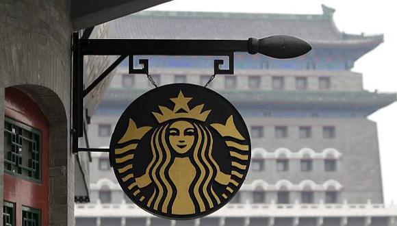 Starbucks subirá el sueldo de sus trabajadores en EE.UU.