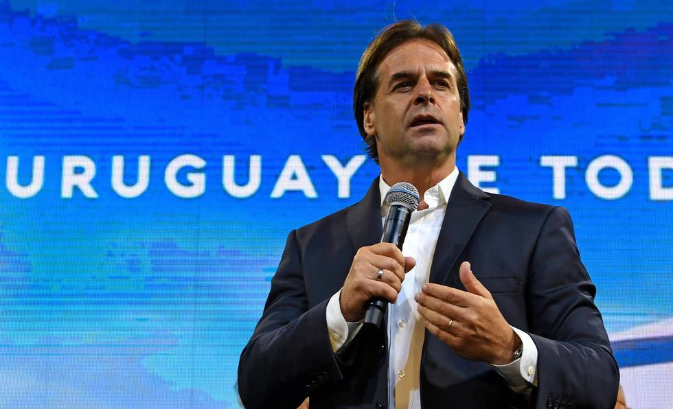 Luis Lacalle Pou ganó las elecciones en Uruguay con el 100% del conteo, pero habrá recuento de actas observadas. (AFP / PABLO PORCIUNCULA).