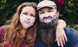 ¿Cómo ser uno mismo llevando mascarilla? Este video te propone una ingeniosa solución