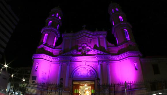 Catedral de Piura se ilumina de morado en honor al Señor de los Milagros (Foto: Arzobispado de Piura).