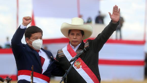 Bellido juró como primer ministro el 29 de julio en la Pampa de la Quinua, ciudad de Ayacucho. El también congresista de Perú Libre es cuestionado por sus expresiones a favor de la terrorista Edith Lagos y en contra del derecho de las mujeres y minorías. (Foto: Presidencia de la República)