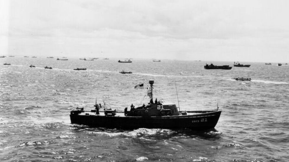 El horizonte del mar el Día D estaba plagado de barcos en apoyo de las tropas que desembarcaron.