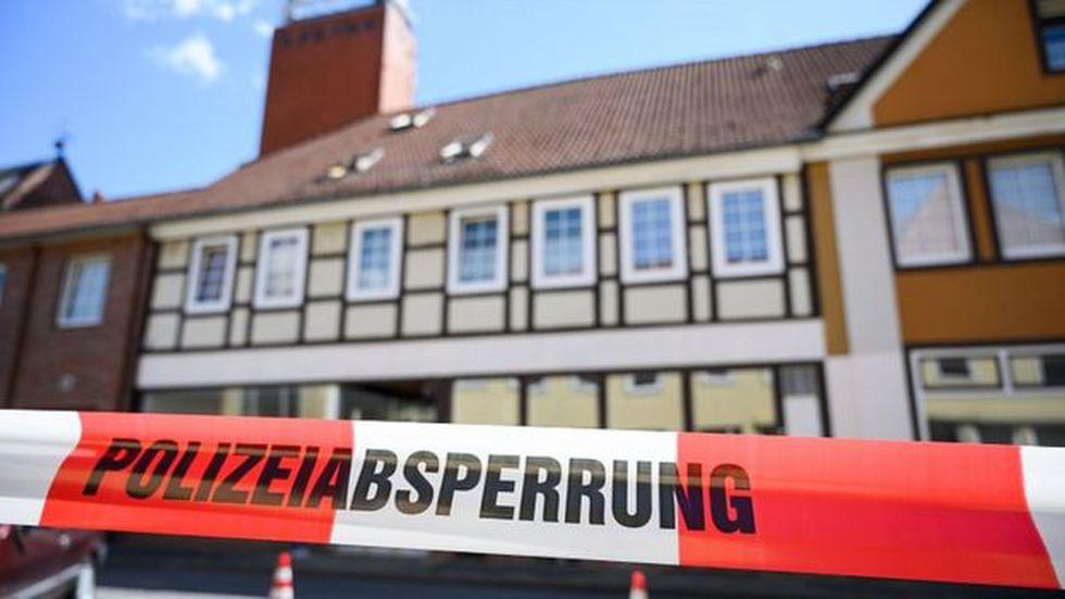 La propiedad en Wittingen fue cerrada por la policía después del último descubrimiento. Foto: AFP