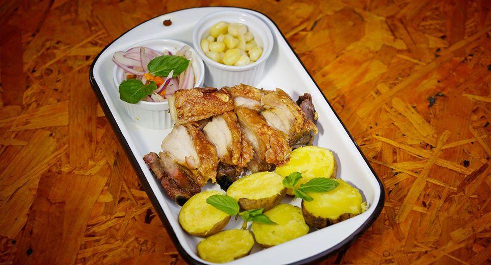 La porción de caja china en Casa Mendoza vale S/29. Se sirve con papas, choclo y salsa criolla. (Foto: César Campos)