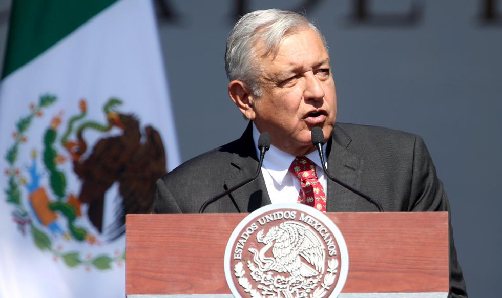 AMLO pronuncia un discurso en el Zócalo por el primer año de su Gobierno en México. (REUTERS/Edgard Garrido).